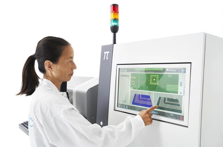 woman using PI 3D SPI system